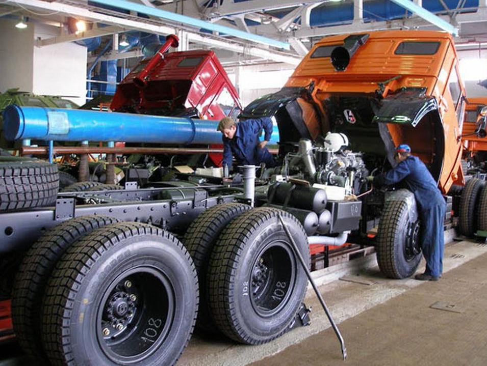 Ремонт двигателя грузового автомобиля